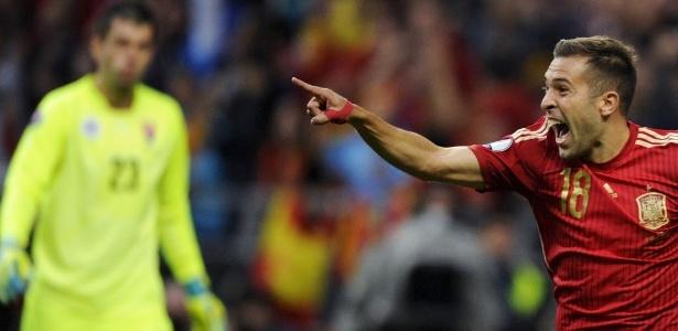 ef2e6aca21 Espanha vence líder e encosta na ponta do Grupo C. A atual bicampeã da  Eurocopa venceu a líder Eslováquia por 2 a 0 ...