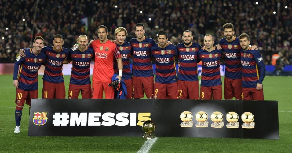 Barcelona presta homenagem a Messi por sua quinta Bola de Ouro