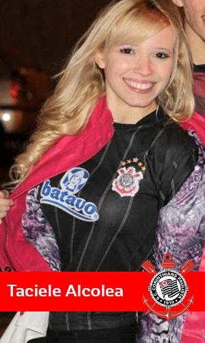 A blogueira de moda Taciele Alcolea tem 2,3 milhões de seguidores no Youtube e é corintiana praticante