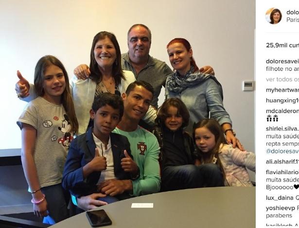 Cristiano Ronaldo recebeu a visita da família no dia do aniversário de seis anos do filho dele - Reprodução Instagram