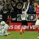 Maycon abre o placar para o Corinthians contra o Internacional; assista