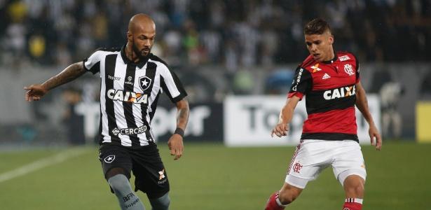 Bruno Silva é mais que titular absoluto no Botafogo