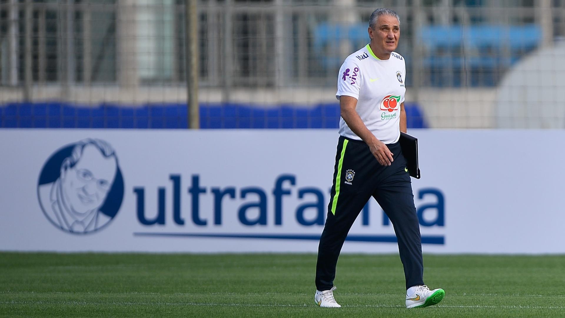 Tite conduz treino da seleção brasileira em Porto Alegre