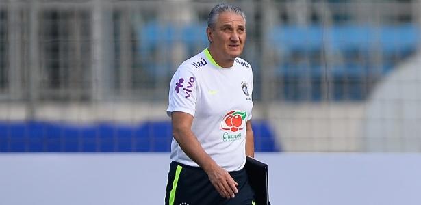 Tite optou por fazer apenas uma mudança na equipe que empatou com a Bolívia