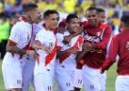 Fifa define datas para Peru e Nova Zelândia brigarem por vaga na Copa - AFP PHOTO / JUAN RUIZ