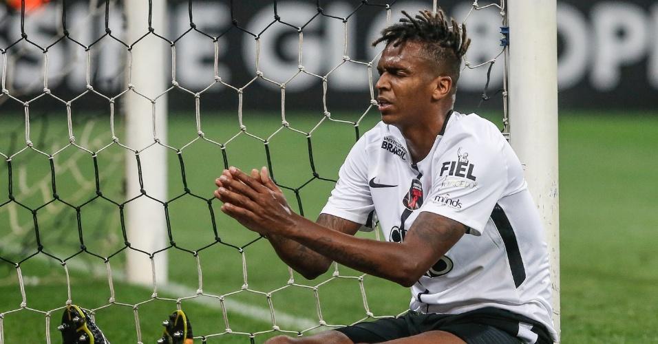 Jô lamenta chance perdida pelo Corinthians contra o Coritiba
