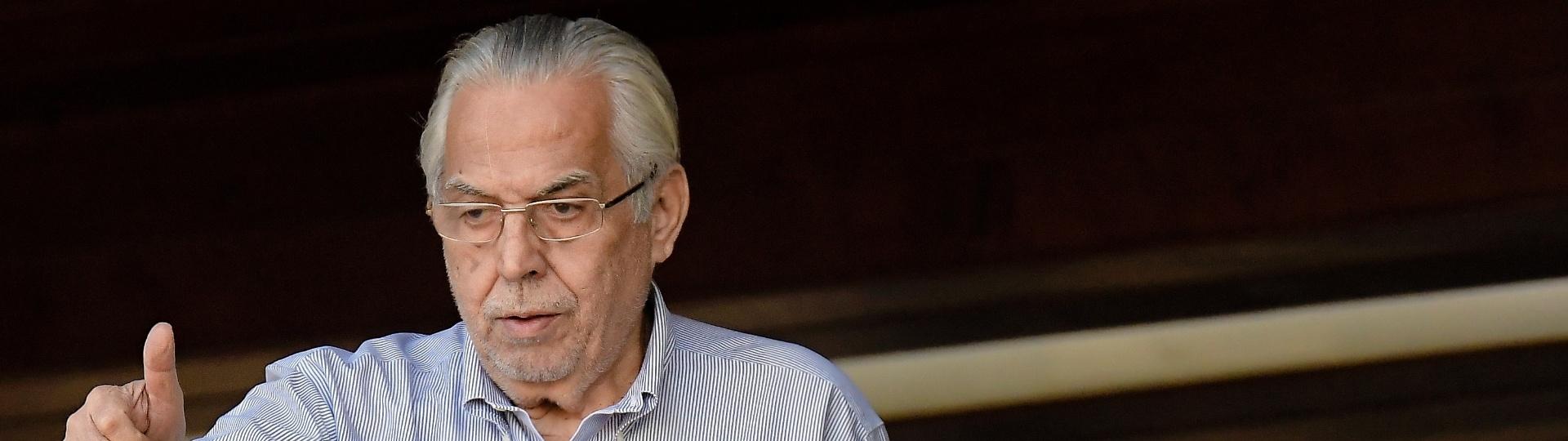 Após eleição polêmica, Eurico Miranda acompanha jogo entre Vasco e São Paulo