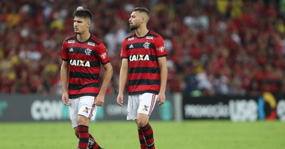 Thuler e Léo Duarte: garotos têm feito a diferença no sistema defensivo do Flamengo