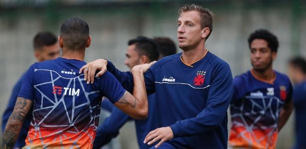 Maxi López fará seu primeiro clássico pelo Vasco contra o Flamengo neste sábado