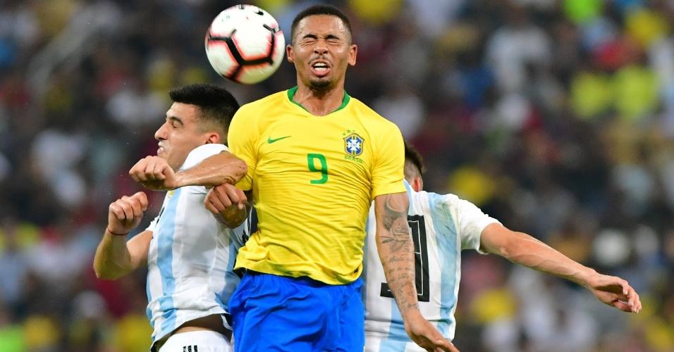 O atacante Gabriel Jesus em lance do amistoso entre Brasil e Argentina