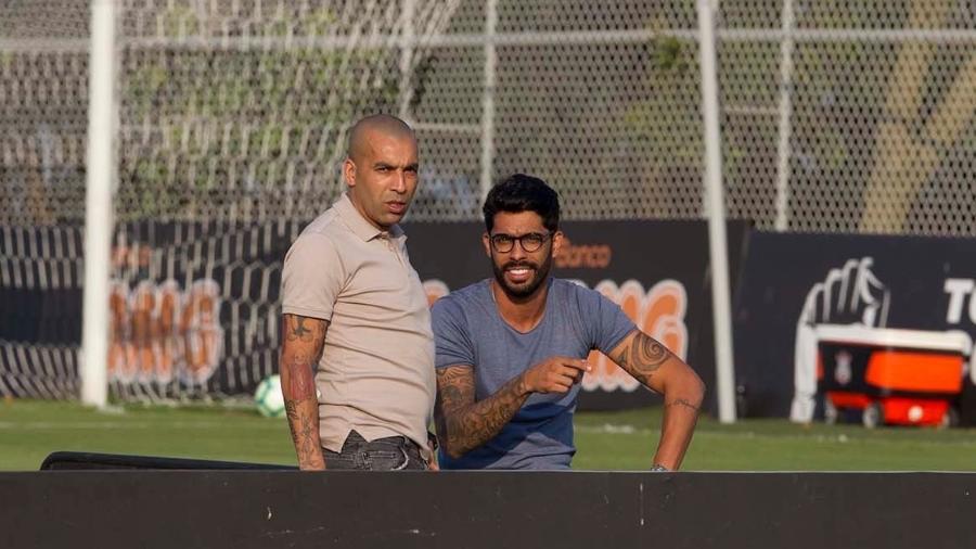 Emerson Sheik e Vilson acompanham treino do Corinthians no CT Joaquim Grava - Daniel Augusto Jr. / Ag. Corinthians