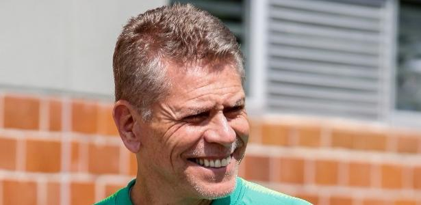 Botafogo age rápido e define Paulo Autuori como substituto de Valentim