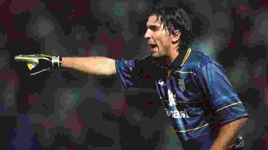 Carta de Buffon contem conselhos a sua versão de 17 anos, ainda em começo de carreira, no Parma - Matthew Ashton/EMPICS via Getty Images