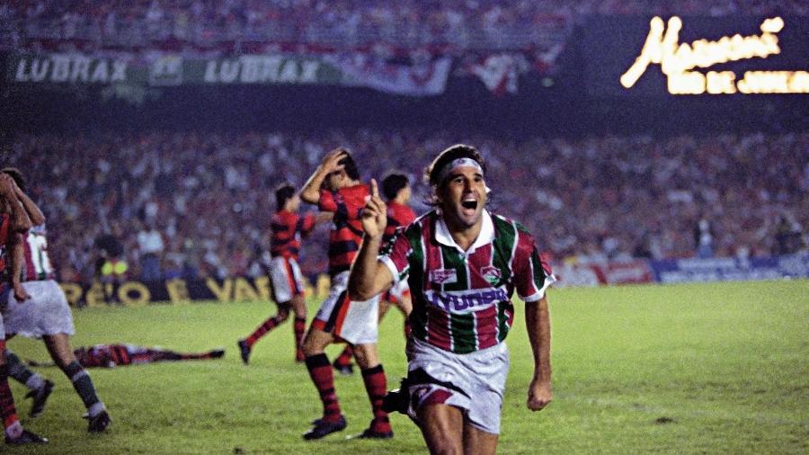 Renato Gaúcho celebra gol de barriga que deu o título do Campeonato Carioca de 1995 ao Fluminense - Anibal Philot / Agência O Globo