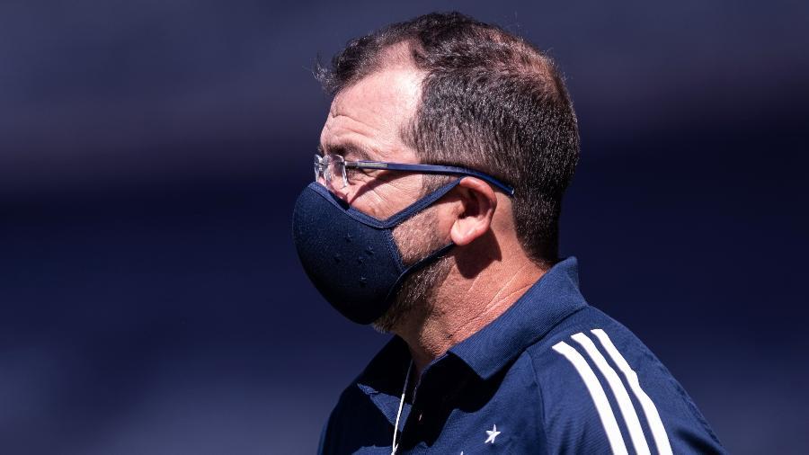 Enderson Moreira, técnico do Cruzeiro, fez análise sobre volta do time em meio à pandemia do novo coronavírus - Gustavo Aleixo/Cruzeiro