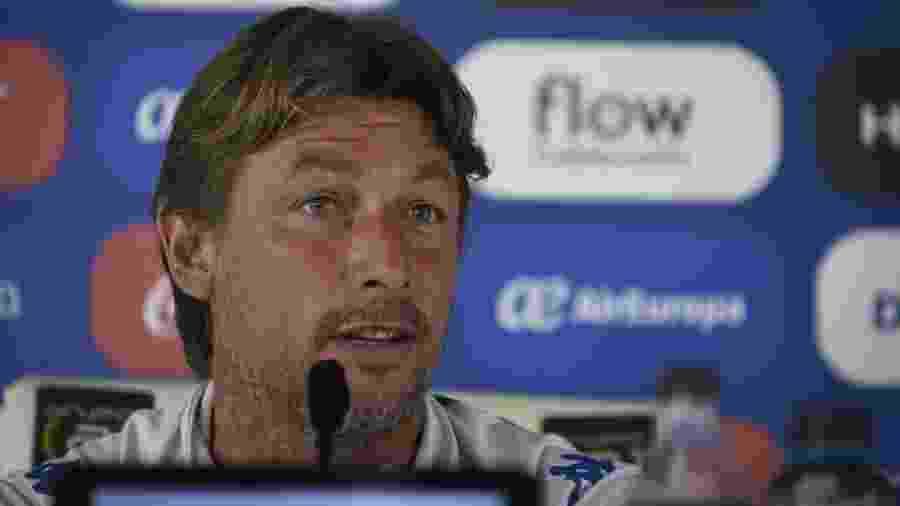Gabriel Heinze era técnico do Vélez e deixou o clube em março - Divulgação/Vélez