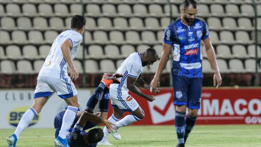 Manoel foi o autor do gol do Cruzeiro em cima da URT, em Sete Lagoas - Gustavo Aleixo/Cruzeiro