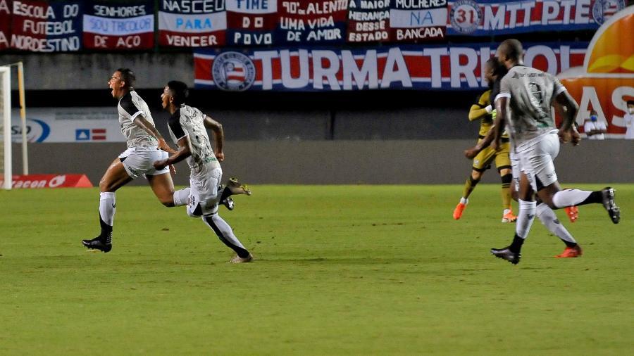 Jael puxa a fila de comemoração do seu gol pelo Ceará contra o Bahia, no estádio Pituaçu, pela Copa do Nordeste 2021 - Jhony Pinho/AGIF