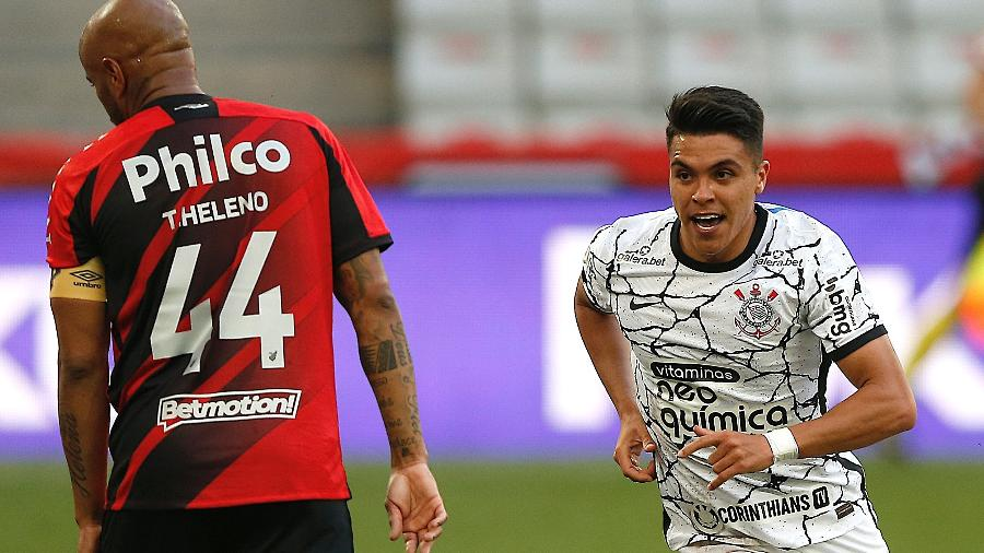 Roni comemora gol do Corinthians contra o Athletico-PR - RODOLFO BUHRER/FOTOARENA/ESTADÃO CONTEÚDO