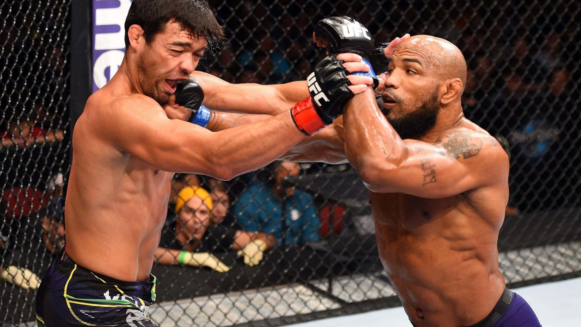 Yoel Romero acerta Lyoto Machida durante a vitória por nocaute no terceiro round
