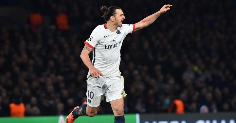 Ibrahimovic desempatou o jogo para o PSG após passe de Di María