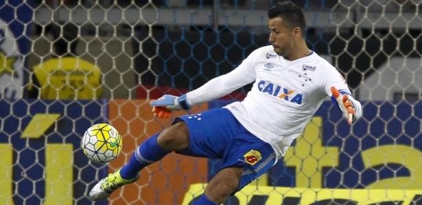Goleiro lembrou tropeço dentro de casa em 2009 que custou o tricampeonato da América