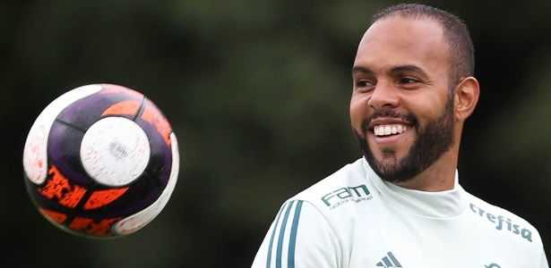 Alecsandro finalizará a transferência para o Coritiba nos próximos dias