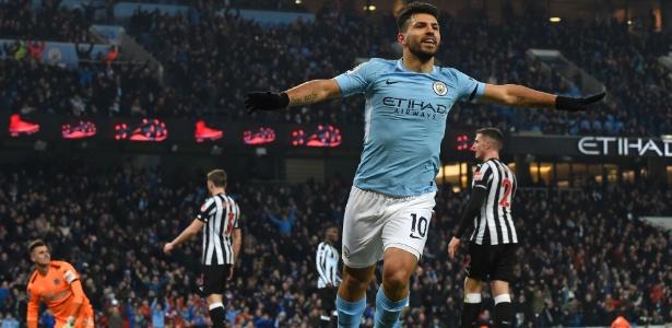 Agüero comemora gol para o Manchester City contra o Newcastle