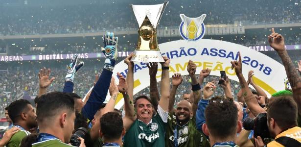 Presidente eleito participou de entrega de troféu ao Palmeiras no domingo (2)
