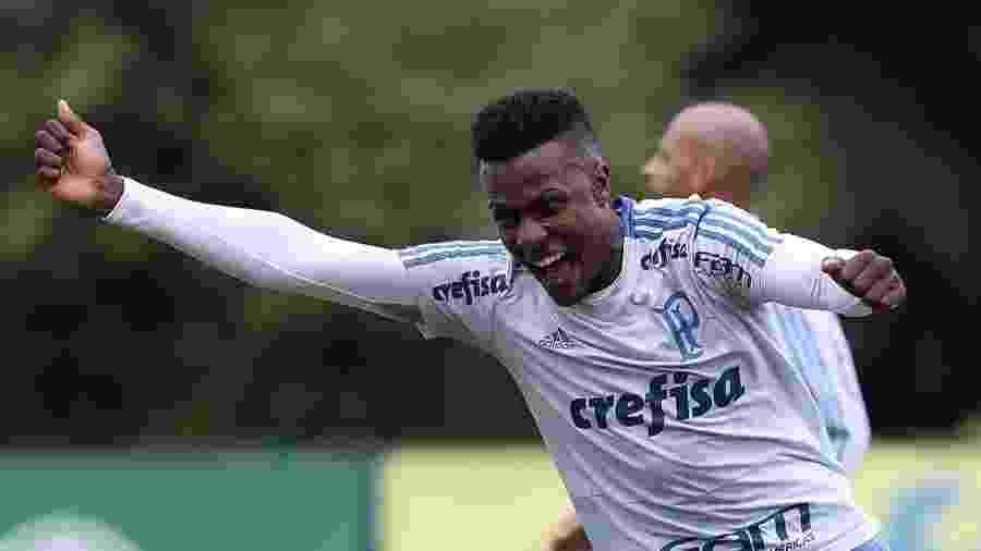 Pedrão, zagueiro do Palmeiras, pode ser emprestado - Cesar Greco/Ag. Palmeiras/Divulgação