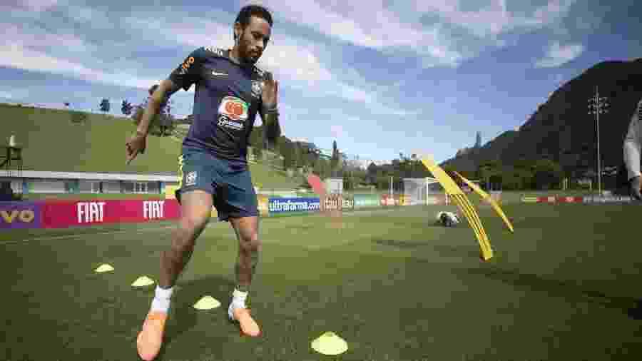 Neymar faz treino físico na Granja Comary após sentir dores no joelho esquerdo - Lucas Figueiredo/CBF