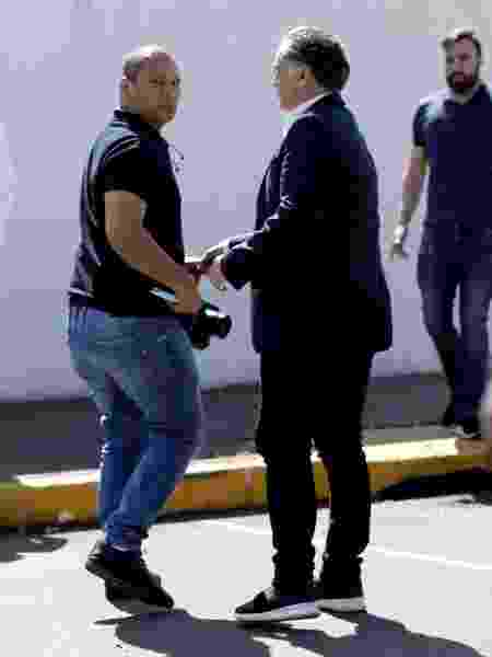 Pai de Neymar tenta retirar câmera de fotógrafo da Reuters  - REUTERS/Ueslei Marcelino - REUTERS/Ueslei Marcelino