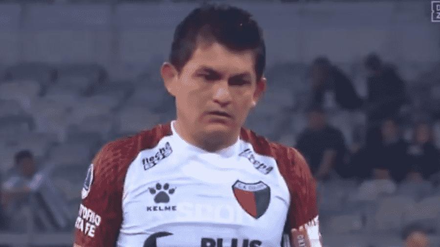 Pulga Rodriguez, do Cólon, na Sul-Americana - Reprodução/DAZN