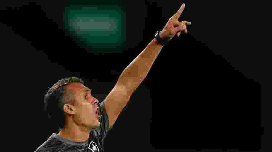 Bruno Lazaroni lamentou chances desperdiçadas pelo Botafogo na derrota para o Cuiabá - Vitor Silva/Botafogo