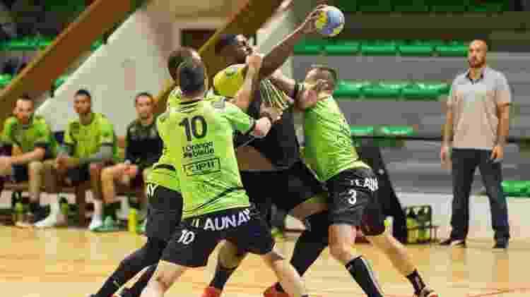 O congolês Mvumbi jogando por seu time na França - Divulgação - Divulgação