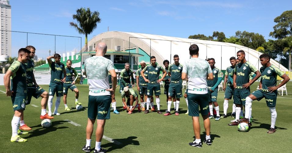 Jogadores do Palmeiras no treino desta terça (23), na Academia de Futebol