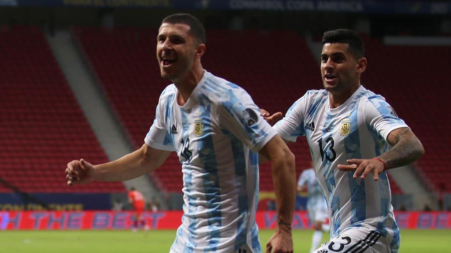Guido Rodríguez comemora gol pela Argentina contra o Uruguai no Mané Garrincha - Gustavo Pagano/Getty Images