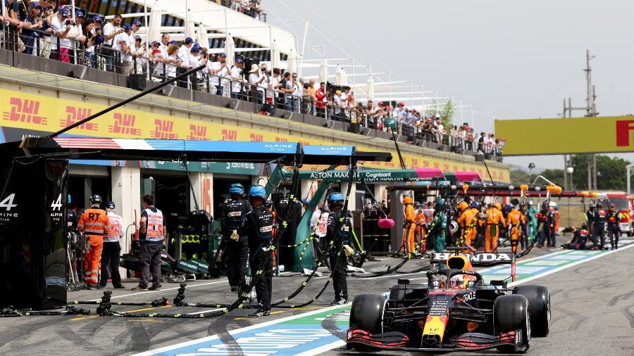 Verstappen após fazer seu primeiro pit stop no GP da França, sétima etapa do Mundial, em Paul Ricard - Peter Fox/Getty Images