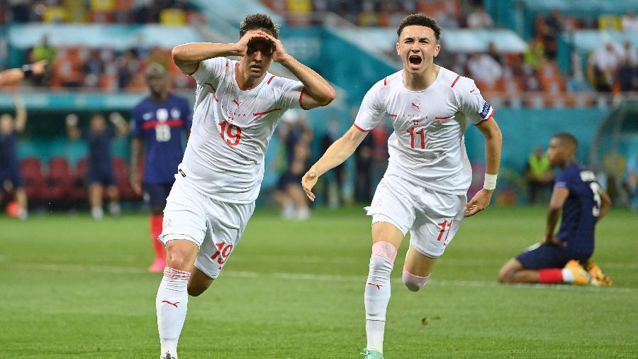 Mario Gavranovic comemora gol da Suíça contra a França pela Eurocopa - Getty Images