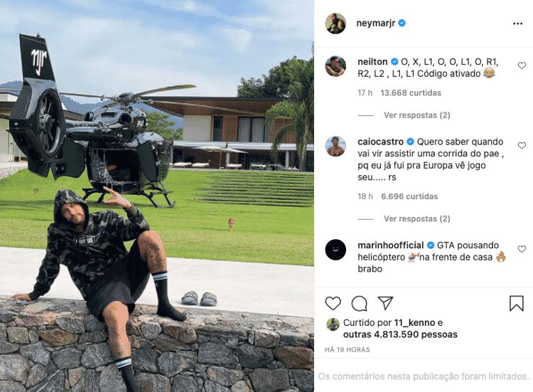 Marinho e Neilton brincam com foto de Neymar - Instagram - Instagram