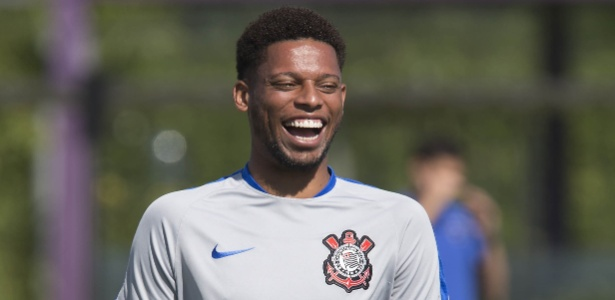 André sorri no Corinthians: nova oportunidade na carreira