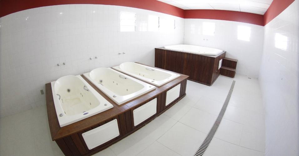 As banheiras para o descanso dos jogadores no Ninho do Urubu