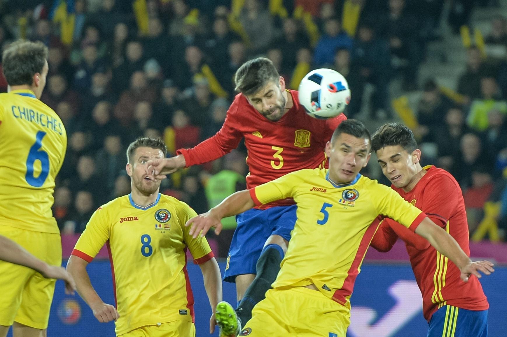 Piqué é convocado para a Espanha em meio a polêmica  Diego Costa segue fora  - 29 09 2017 - UOL Esporte ce1c66593e00a