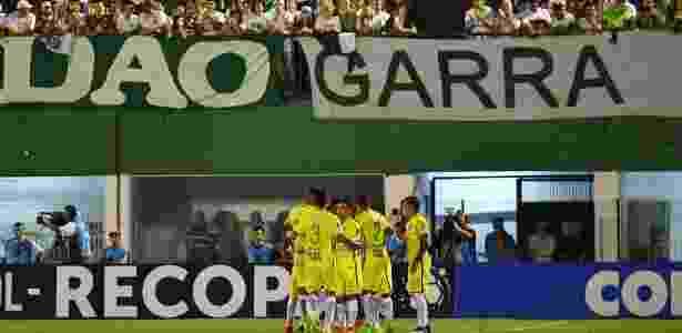 Macnelly Torres marcou e foi aplaudido até pela torcida da Chapecoense - Nelson Almeida/AFP Photo