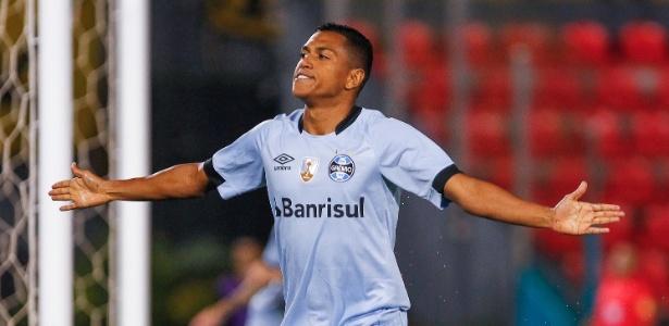 Atacante tem quatro assistências e voltou a marcar em jogo no Paraguai