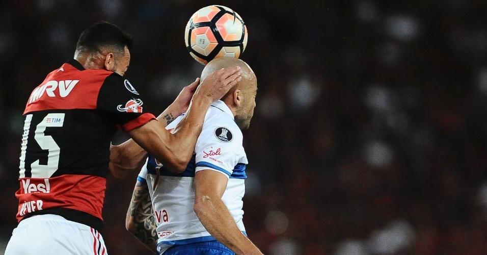 Réver, do Flamengo, marca