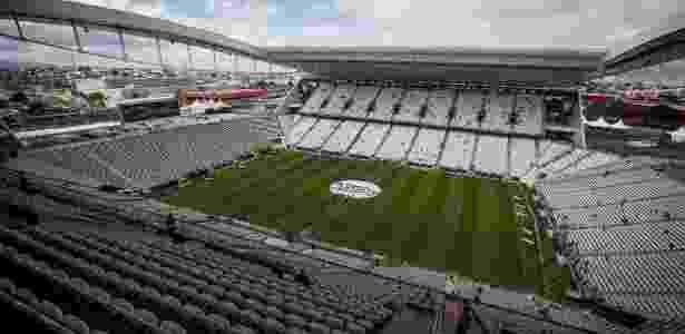5ee8ea236e Trunfo com problemas. Corinthians e Grêmio vivem imbróglio ligado às ...