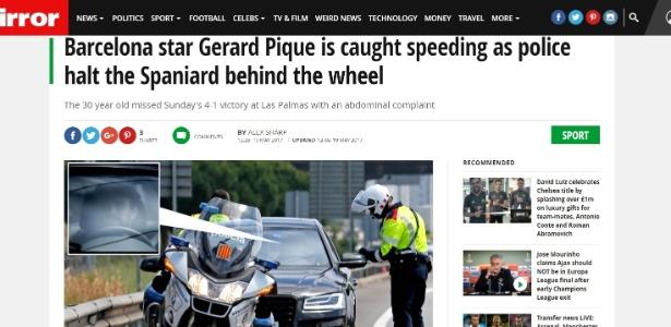 Reportagem do jornal Mirror mostra Piqué sendo abordado por policiais - Reprodução/Mirror