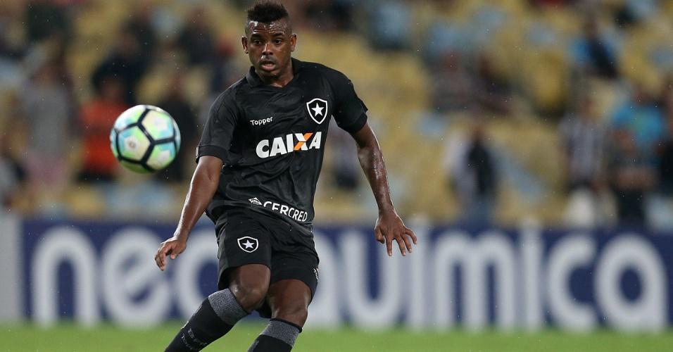Marcos Vinicius fez estreia como titular e teve grande desempenho no Botafogo