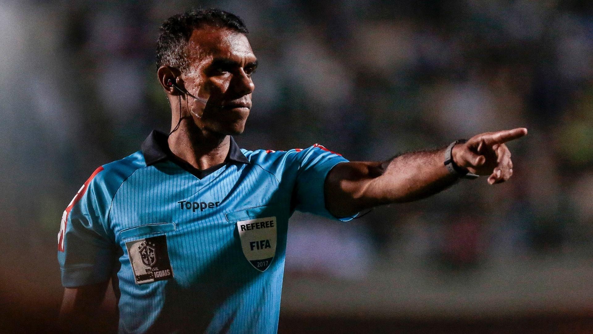 O árbitro Dewson Fernando Freitas da Silva apitou o jogo entre Palmeiras e Coritiba